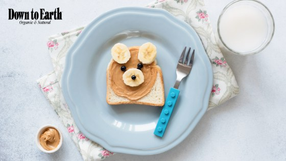 Photo: Peanut Butter sandwich with bananas and blueberries