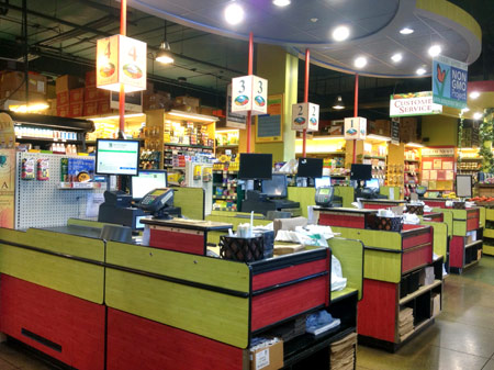 Photo: Checkout Area at Down to Earth Honolulu Store