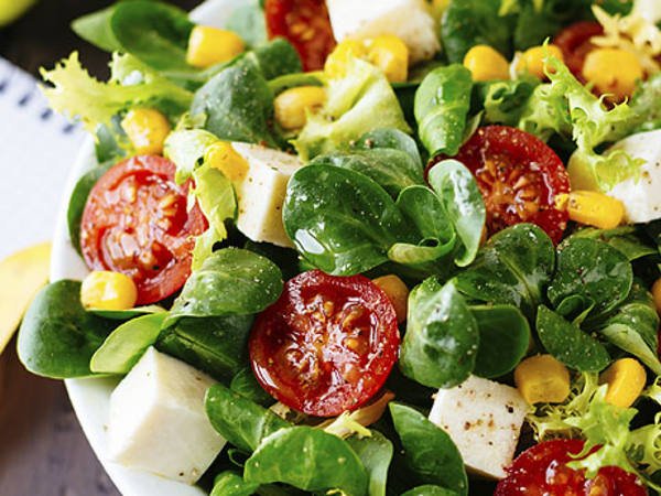 Photo: Tofu, Spinach and Tomato Salad