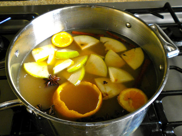 Photo: Spiced Pear and Apple Cider