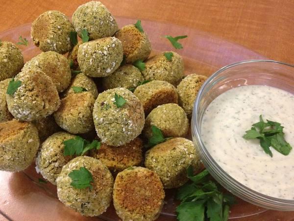 Photo: Chickpea Balls w/ Vegan Dill Sauce