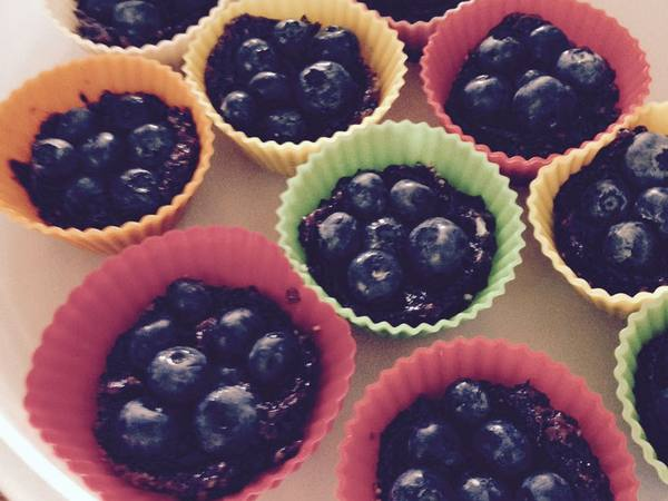 Photo: Raw Blueberry Pies