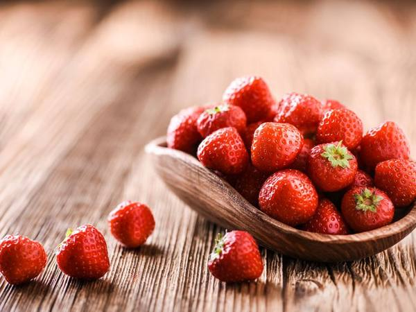 Photo: Bowl of Strawberries