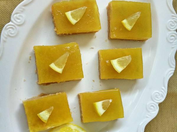 Photo: Lemon Bars
