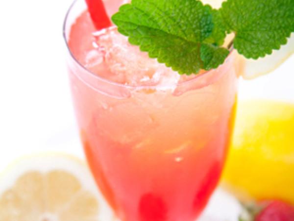 Photo: Strawberry Lemonade Drink