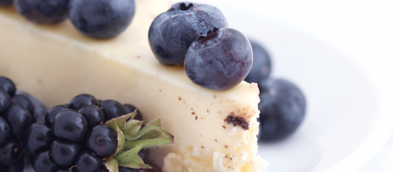 Photo: Cheesecake with Fresh Blueberries